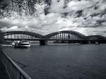 Eisenbahnbrücke über den Rhein bei Köln