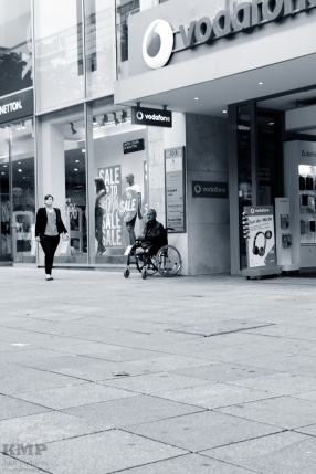 Mann in Rollstuhl