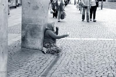 bettelnde Frau