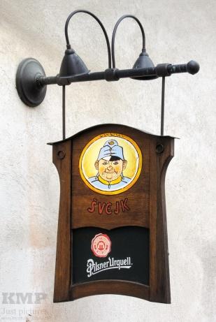 Wirtshausschild in Český Krumlov